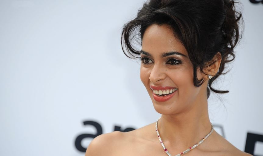 mallika-sherawat-top-most-popular-hated-bollywood-actresses-ever-2018