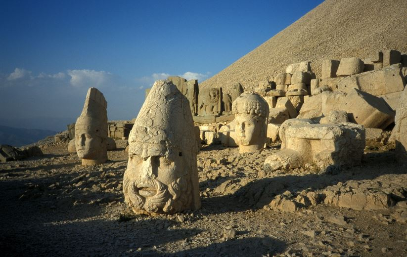 mount-nemrut-statue-top-most-famous-statues-in-the-world-2019