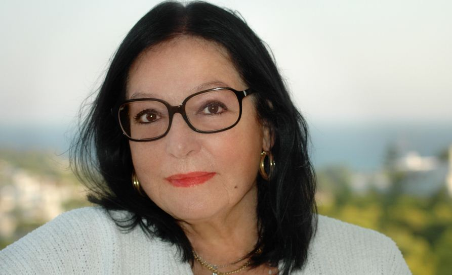 nana mouskouri, Top 10 Richest Female Singers in The World 2017