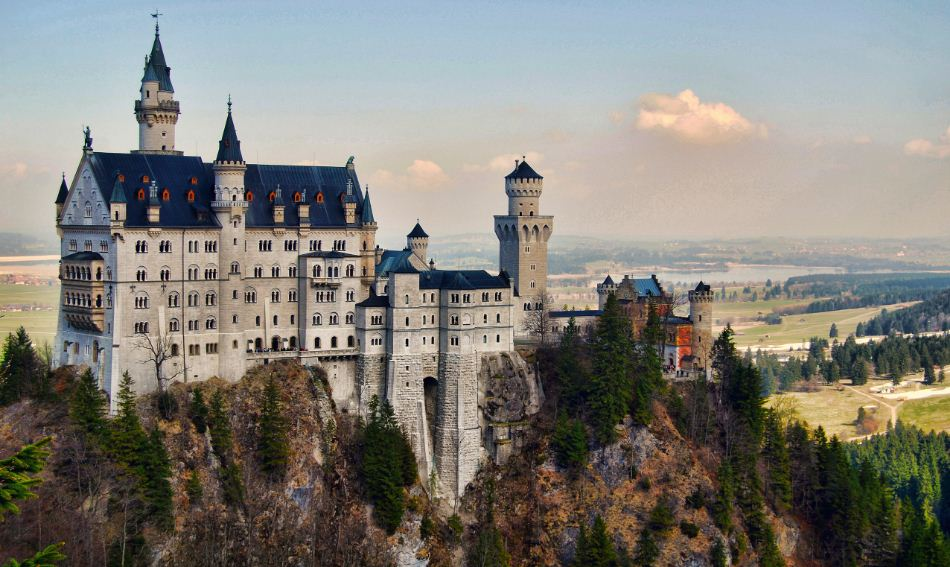 neuschwanstein-castle-germany-top-most-popular-beautiful-places-in-the-world-2018