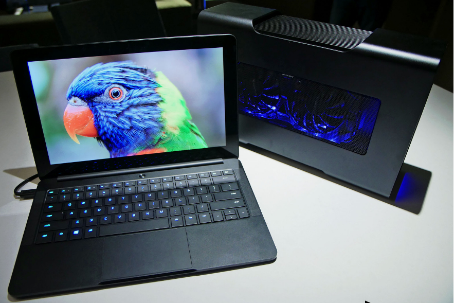 razer-blade-stealth-most-popular-famous-gadgets-2018