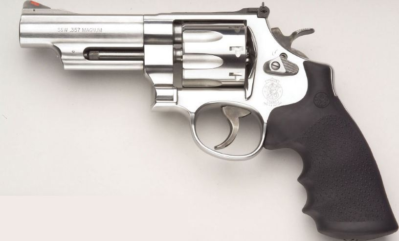 smith-wesson-revolver-top-10-most-dangerous-guns-in-the-world