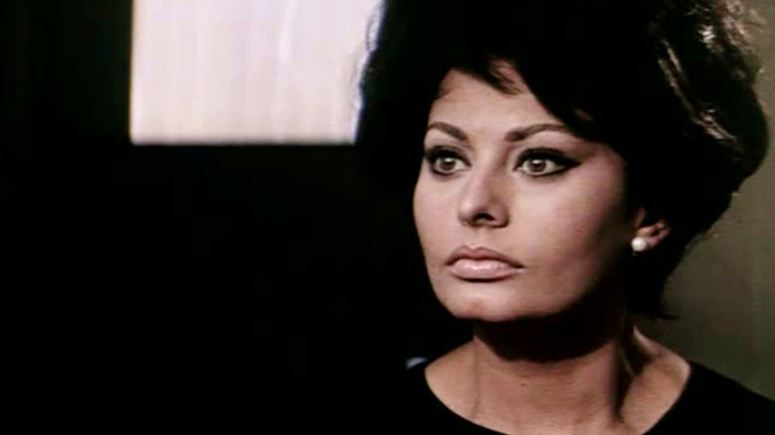 sophia loren, Top 10 Timeless Hot And Sexy Women in The World 2017