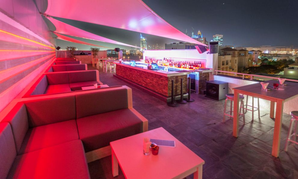 story-rooftop-lounge