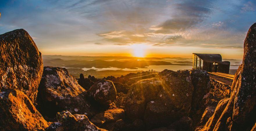 tasmania-top-popular-beautiful-honeymoon-destinations-in-australia-2018