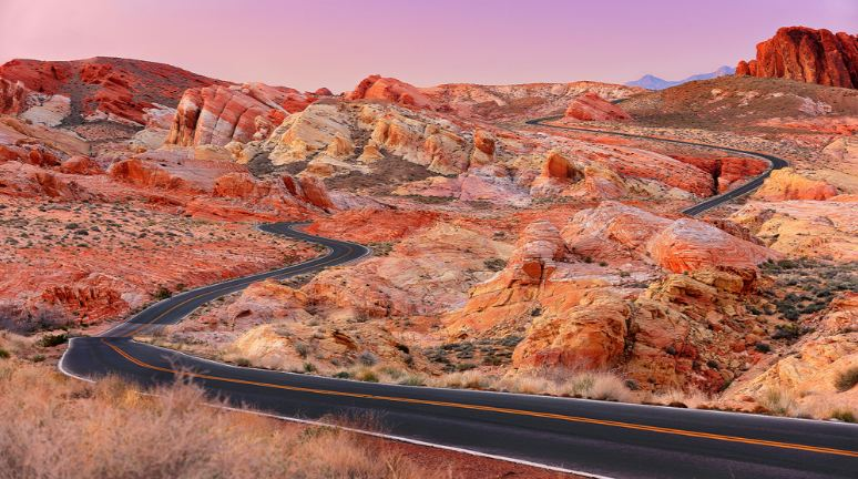 Valley-of-Fire-Road-Nevada