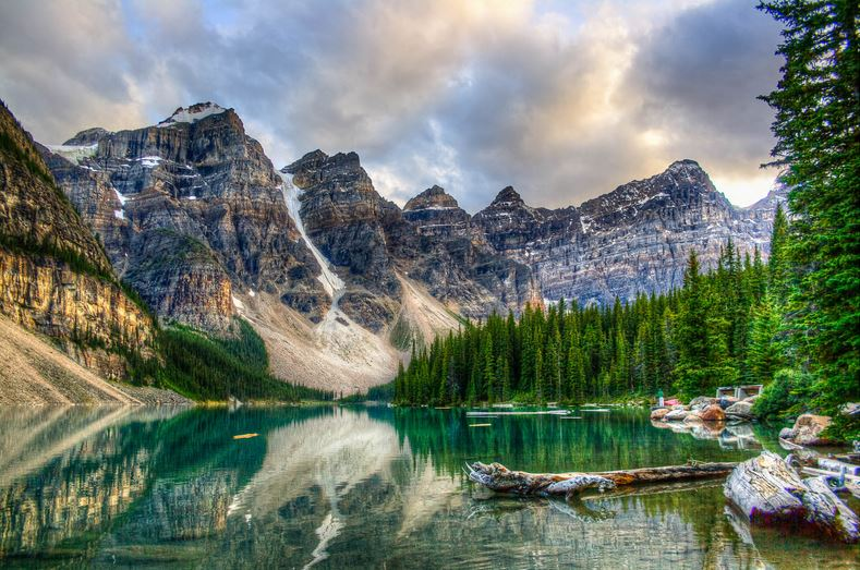 valley-of-ten-peaks-top-most-famous-beautiful-valleys-in-the-world-2019