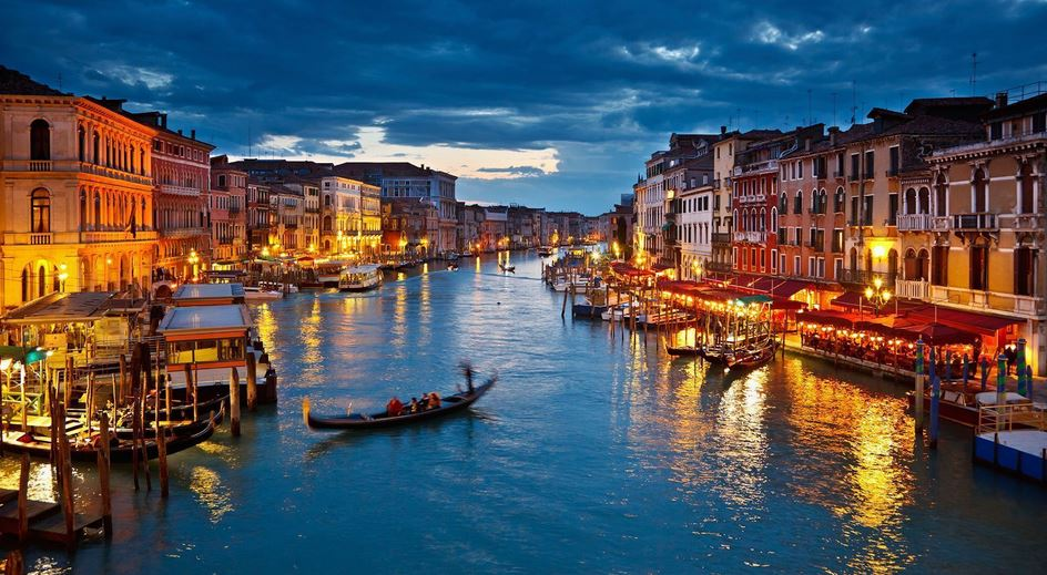 venice-italy-top-most-popular-stunning-summer-destinations-in-the-world-2018