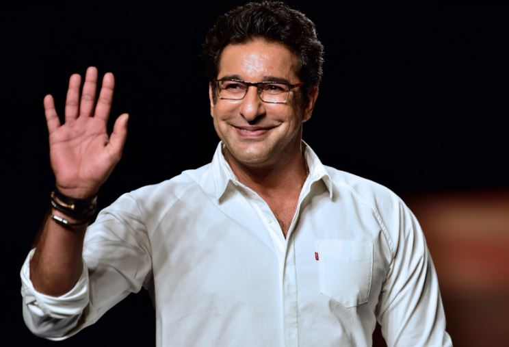 wasimakram-top-famous-loved-pakistani-people-in-india-2017