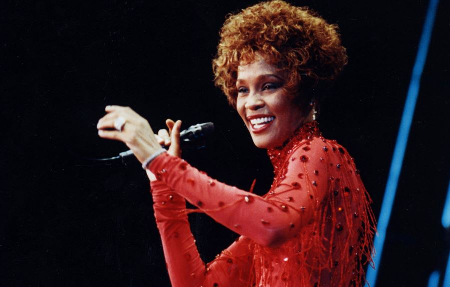 whitney-houston-whitney-houston-top-10-best-albums-by-solo-artists-ever