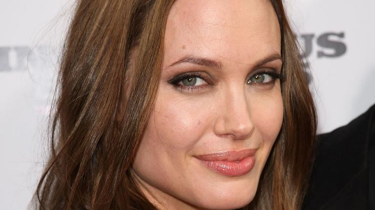 angelina-jolie-top-10-most-famous-celebrities-who-had-plastic-surgery-2017