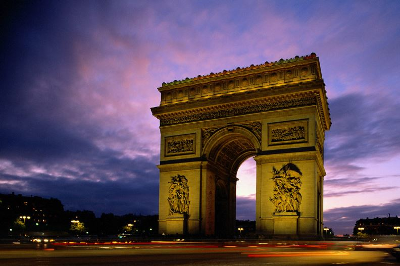 arc-de-triomphe-top-most-tourist-attractions-of-france-20017