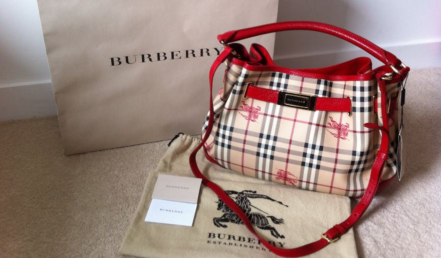 burberry, Top 10 Most Luxurious Fashion Brands in The World 2017
