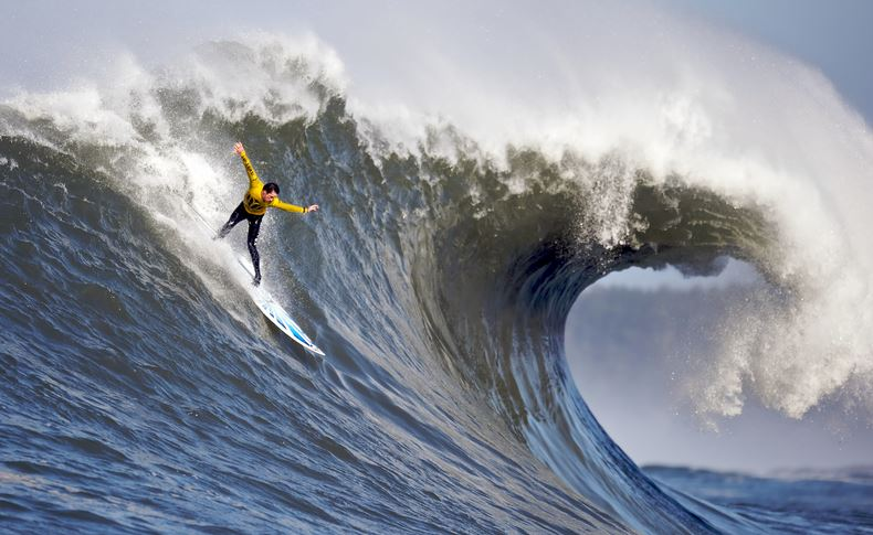 big-wave-surfing-top-most-famous-dangerous-sports-in-the-world-2019