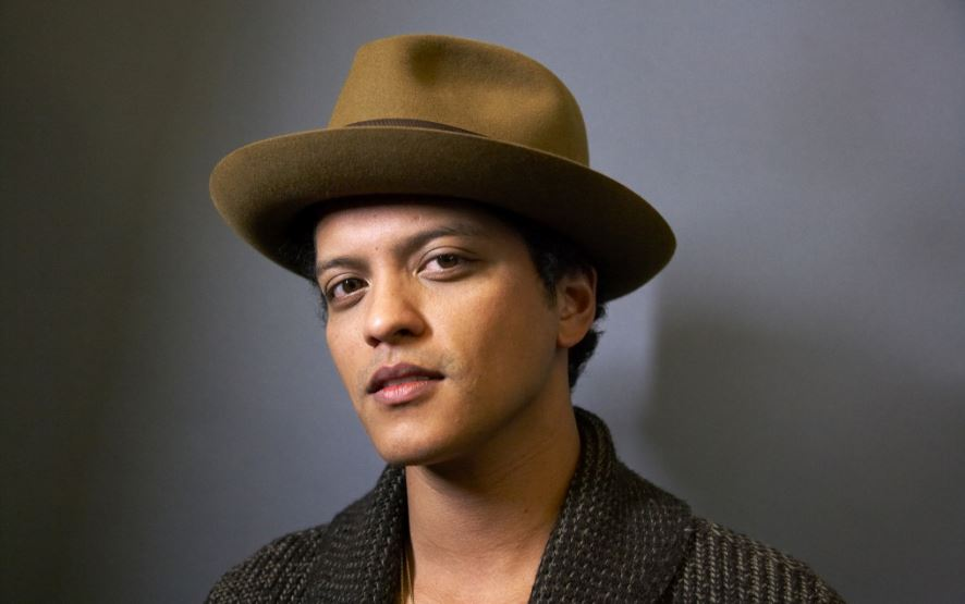 bruno-mars-top-10-most-popular-male-singers-2017