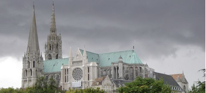 chartres cathedral, Top 10 Most Popular Tourist Attractions of France 2017