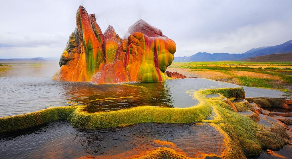 Fly Geyser, United States Top World's Most Popular Mysterious Places 2018