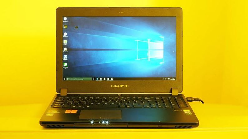Gigabyte P35 v5 Gaming Laptop, Top 10 Best Gaming Laptops Reviews 2017