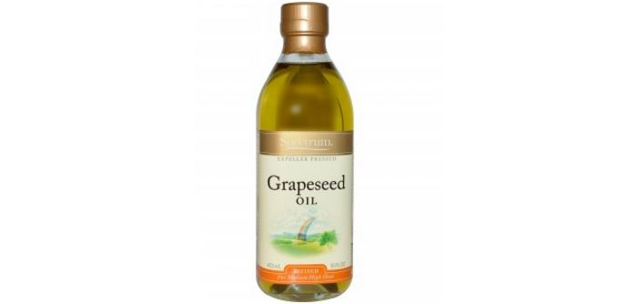 grapeseed-oil-top-famous-effective-hair-oils-to-buy-2018