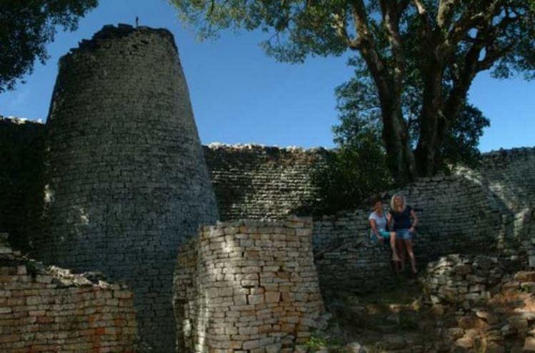 great-zimbabwe-walls-zimbabwe