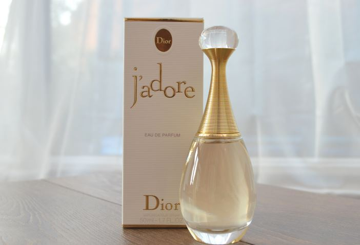 jadore-christian-dior-top-10-most-popular-sexiest-perfumes-brands