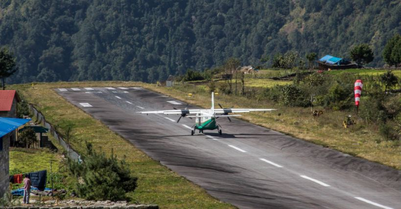 lukla-airport-top-popular-dangerous-airport-landings-in-the-world-2017