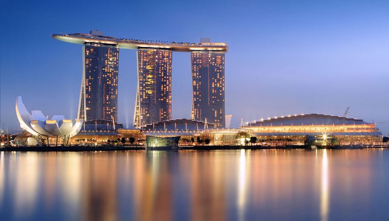 marina-bay-top-most-famous-places-to-visit-in-singapore-2019