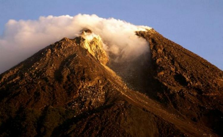 mt-merapi-indonesia-top-most-famous-active-and-dangerous-volcanoes-2019