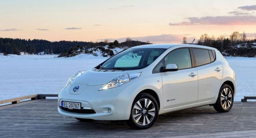 nissan-leaf-top-10-famous-cheapest-electric-cars-2018