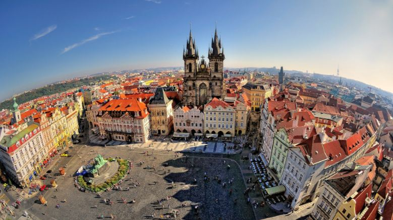 old-town-square-prague-top-popular-city-squares-in-the-world-2017