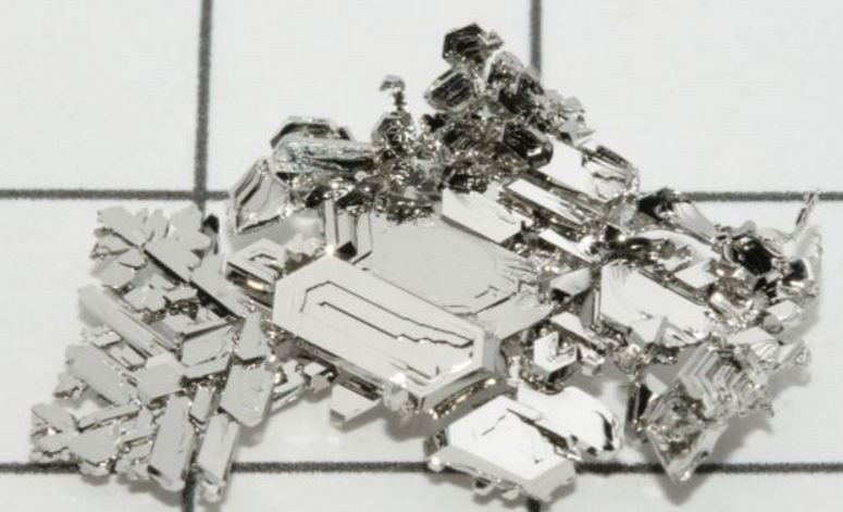 platinum-top-most-famous-expensive-minerals-in-the-world-2019