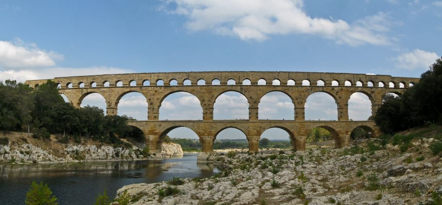 pont-du-gard-bridge-top-most-famous-tourist-attractions-of-france-2019
