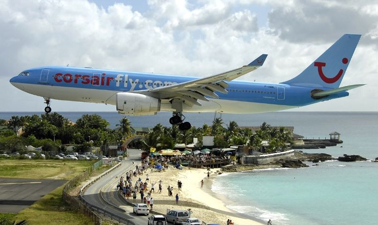 princess-juliana-in-st-maarten-top-most-popular-dangerous-airport-landings-in-the-world-2018