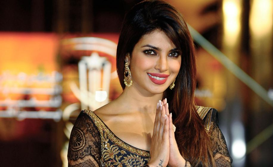 priyanka-chopra-top-10-popular-entertainers-of-bollywood-in-2017-2018