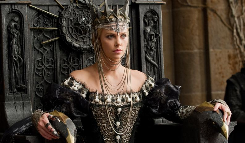 queen-ravenna-top-famous-sexiest-female-movie-villains-in-china-2019