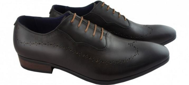 russel-laced-up-oxford-top-famous-and-expensive-shoes-in-india-2018