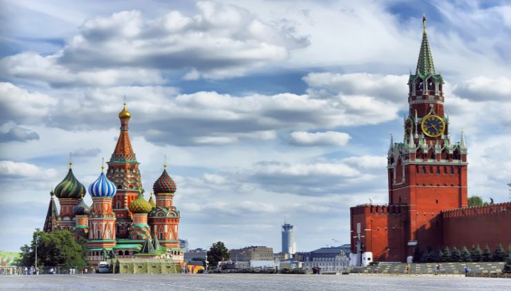 red-square-moscow-top-most-popular-city-squares-in-the-world-2018