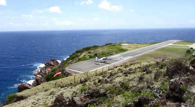 saba airport, Top 10 Most Dangerous Airport Landings in The World 2018