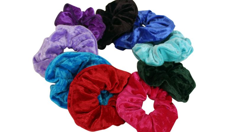 scrunchies-famous-worst-fashion-trends-in-history-2020