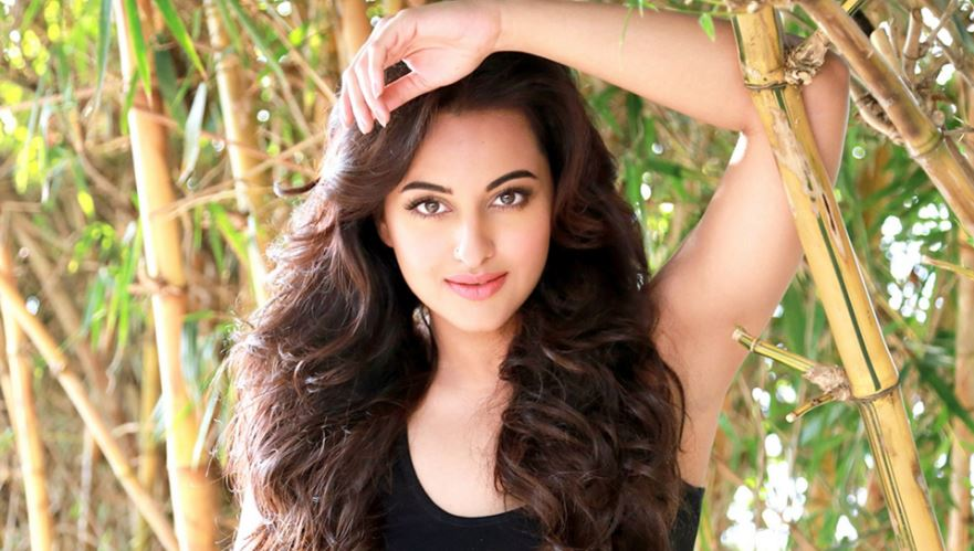 sonakshi sinha, Top 10 Most Popular Bollywood Celebrities On Twitter 2018