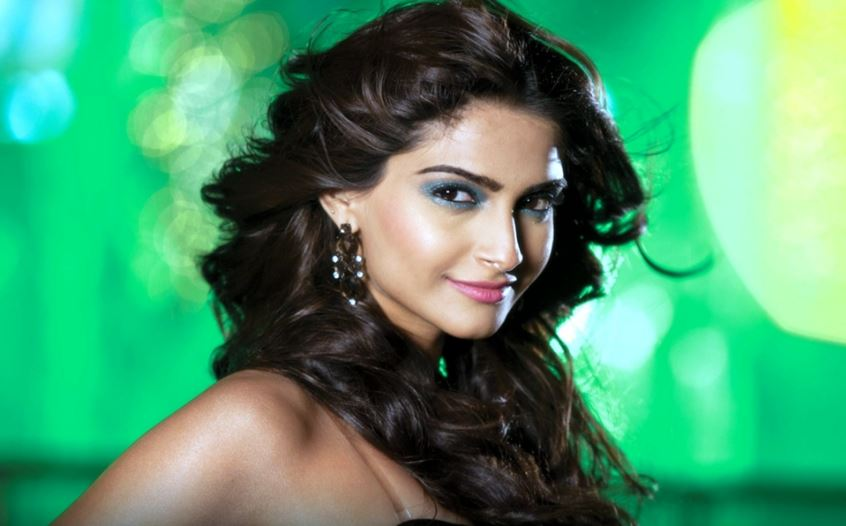 sonam-kapoor-famous-successful-star-kids-of-bollywood-ever-2017