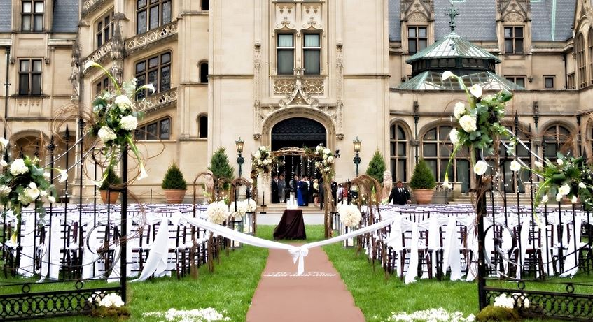 the-biltmore-estate-north-carolina-top-10-most-beautiful-wedding-places-in-the-world