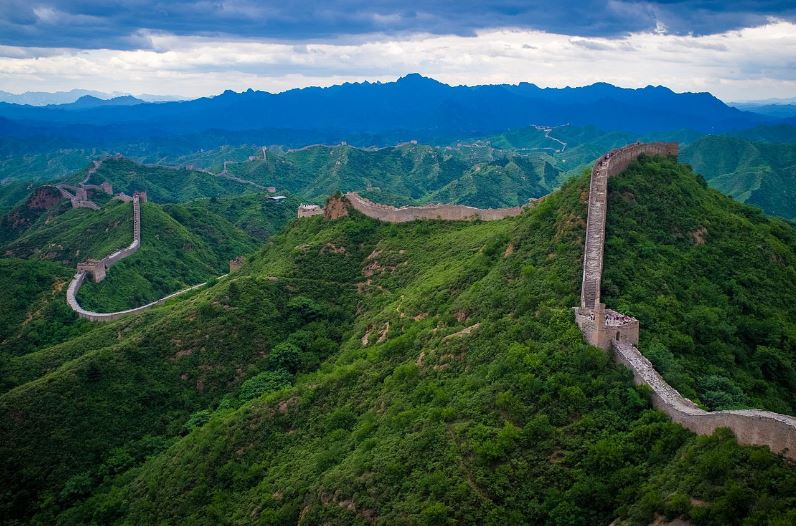 the Great Wall of China, Top 10 Most Amazing And Longest Walls in The World 2017