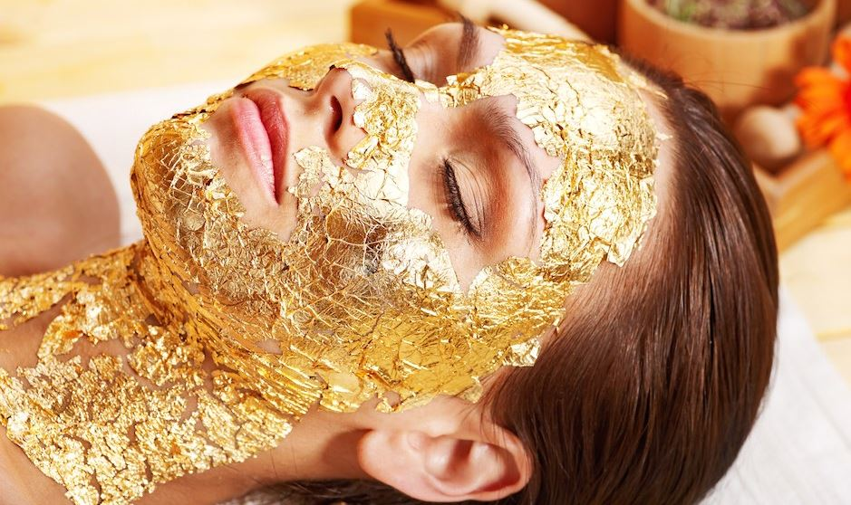 umo-gold-face-most-popular-expensive-spa-treatments-in-the-world-2018