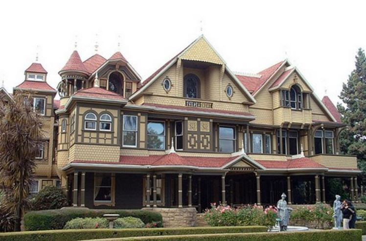 Winchester Mystery House, Top 10 Extremely Weird Museums in The World 2017