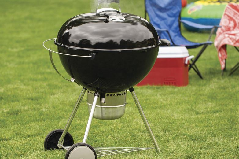 Weber Original Kettle Charcoal Grill