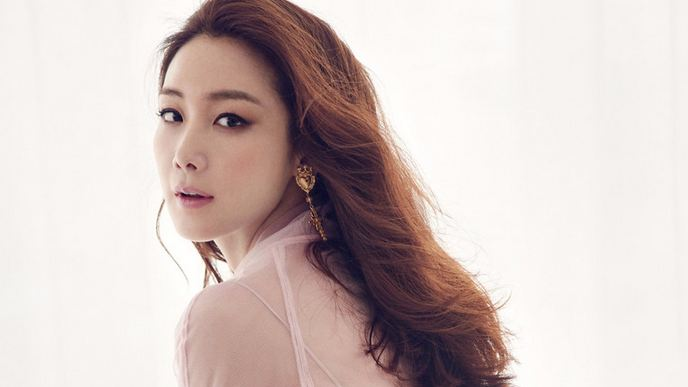 Choi Ji-woo Most Beautiful Korean Actress 2018