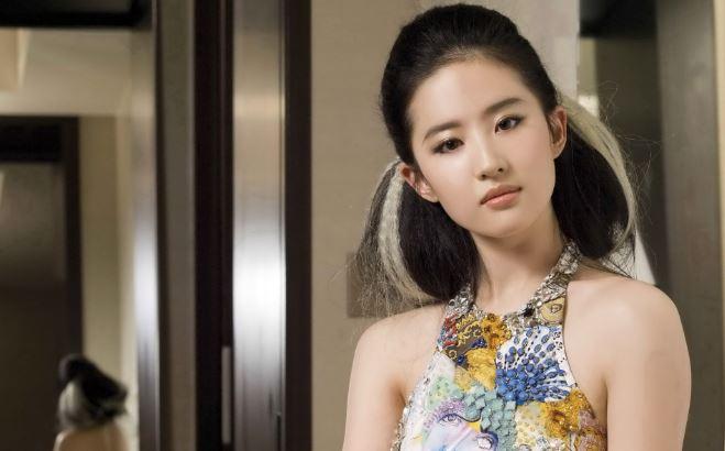 Most Beautiful Chinese Female Celebrities